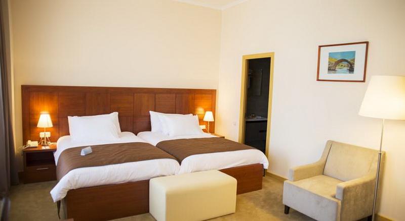 Ani plaza hotel in yerevan hotels in armenia armenian trip for Boutique hotel ani
