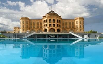 Latar Hotel