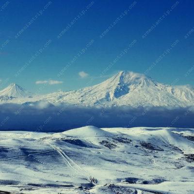 Гора Арарат (вид из Гарни)