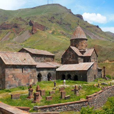 Монастырь Воротнаванк 10в. (Армения)