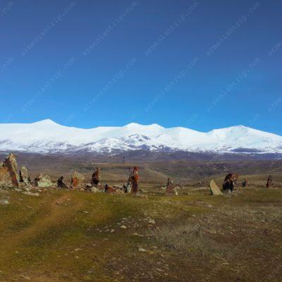 Зорац Карер — древняя обсерватория 7500 лет (Армения)